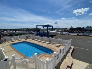 pool with sea ray sundancer in travel lift